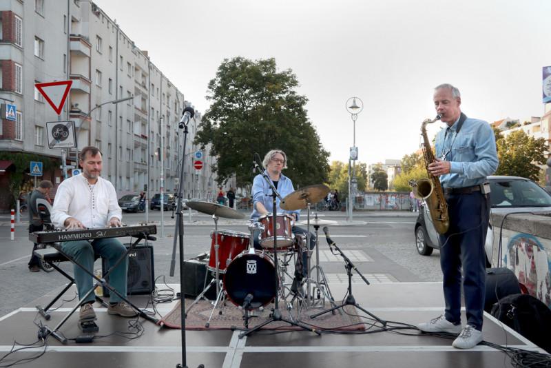 Jazzkonzert der Band Colours bei der Eröffnung der Kunstbrücke