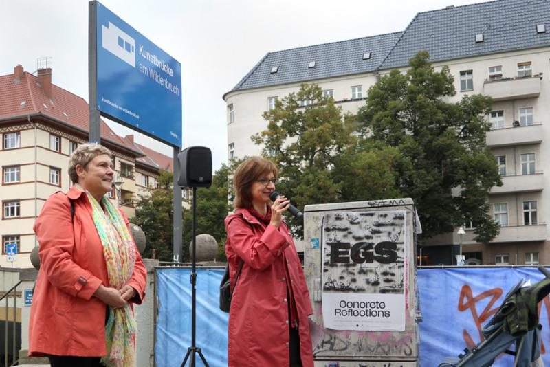 Links: Karin Korte, Kulturstadträtin & rechts Dorothee Bienert Galerieleiterin