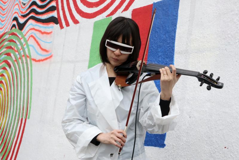 Geigerin Hoshiko Yamane von Tangerine Dream (ACQUA)
