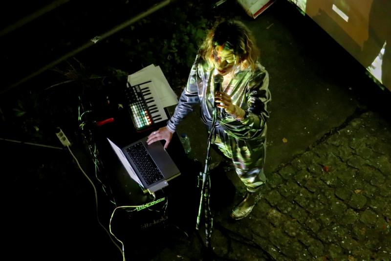 Audiovisuelle Performance von Luïza Luz y Vi Amoras: After Nature Soundscape